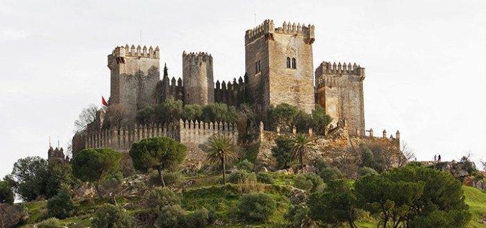 10 impresionantes castillos que visitar en Andalucía