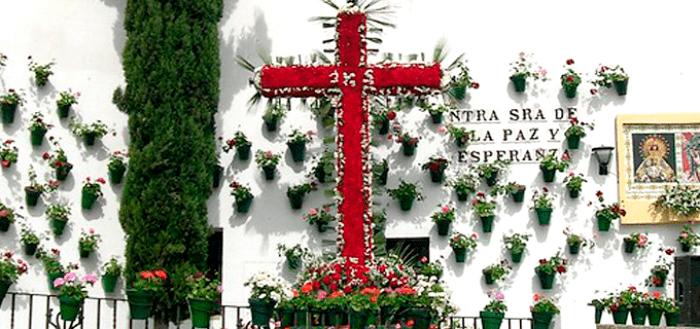 Las Cruces de Mayo en Andalucía dan la bienvenida a la Primavera