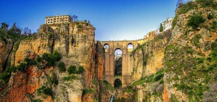 Serranía de Ronda, una mirada al precipicio